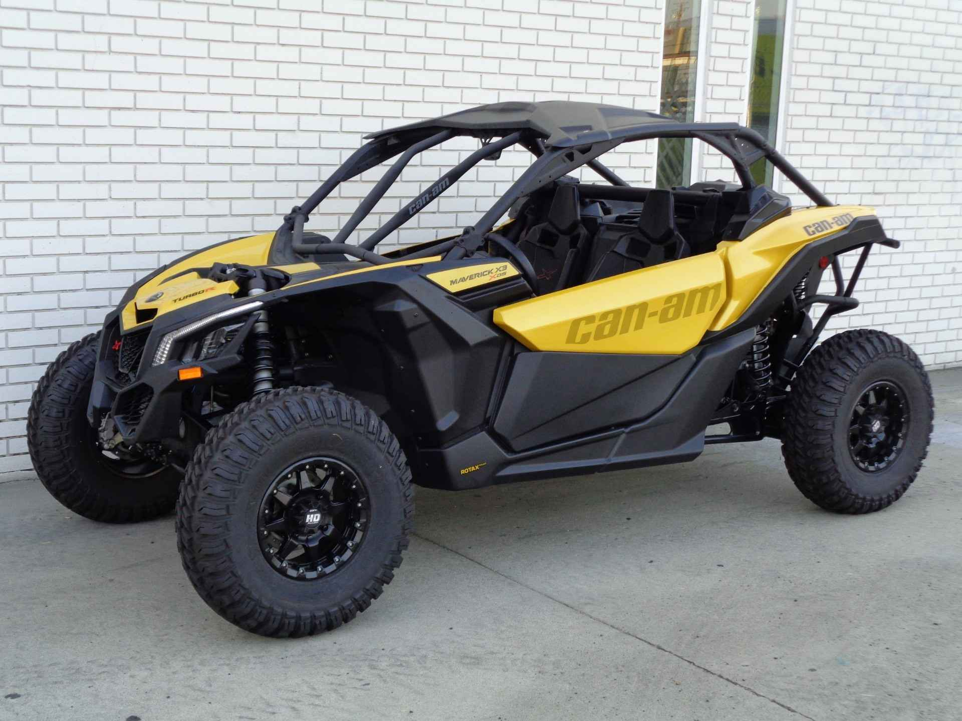 new 2017 can am maverick x3 x ds turbo r atvs for sale in california on atv trades. Black Bedroom Furniture Sets. Home Design Ideas